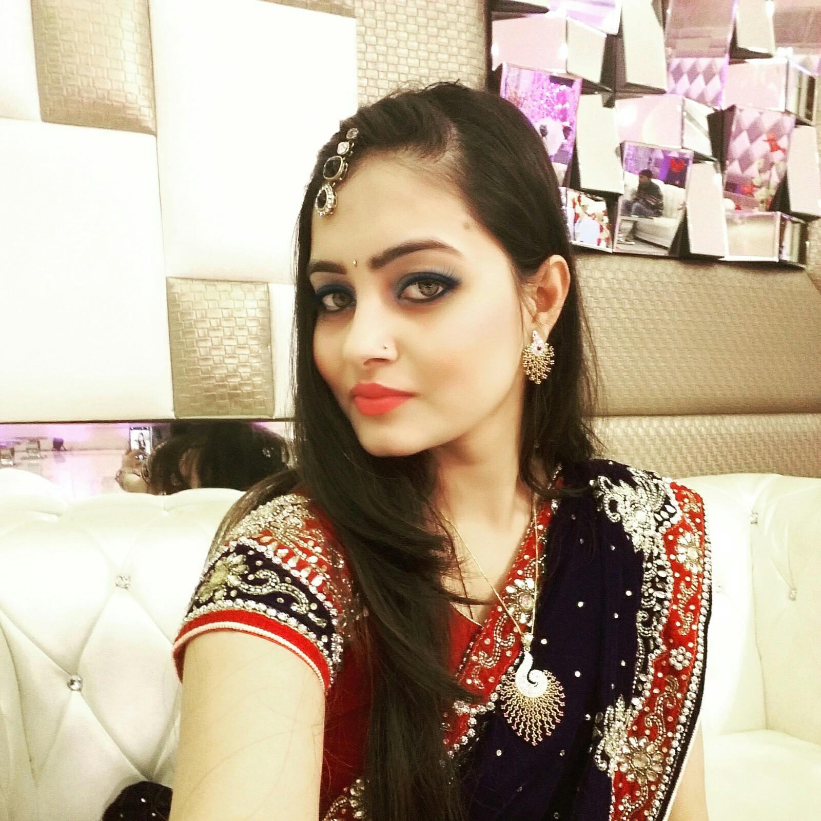 डेंटल सर्जन हैं नेहा – नेहा पेशे से डेंटल सर्जन हैं। पब्लिक हेल्थ डेंटिस्ट्री में मास्टर्स कर रहीं नेहा ने आर्मी डॉक्टर से शादी की है। – नेहा ने फरवरी 2017 में बैंकॉक के पटाया में आयोजित माइल स्टोन मिस एण्ड मिसेज इंडिया इंटरनेशनल में मिसेज इंडिया इंटरनेशनल चुनी गईं थी। वह मिसेज दिल्ली एनसीआर 2015 की फाइनलिस्ट रह चुकी हैं।