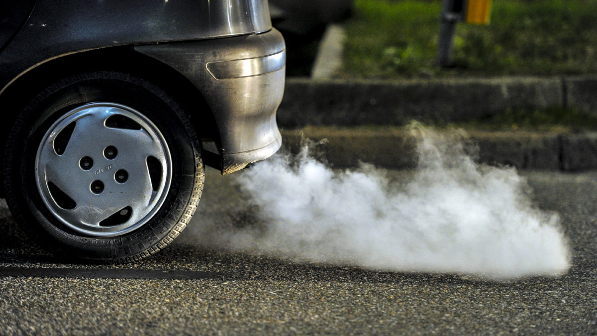 smoking vehicle pollution