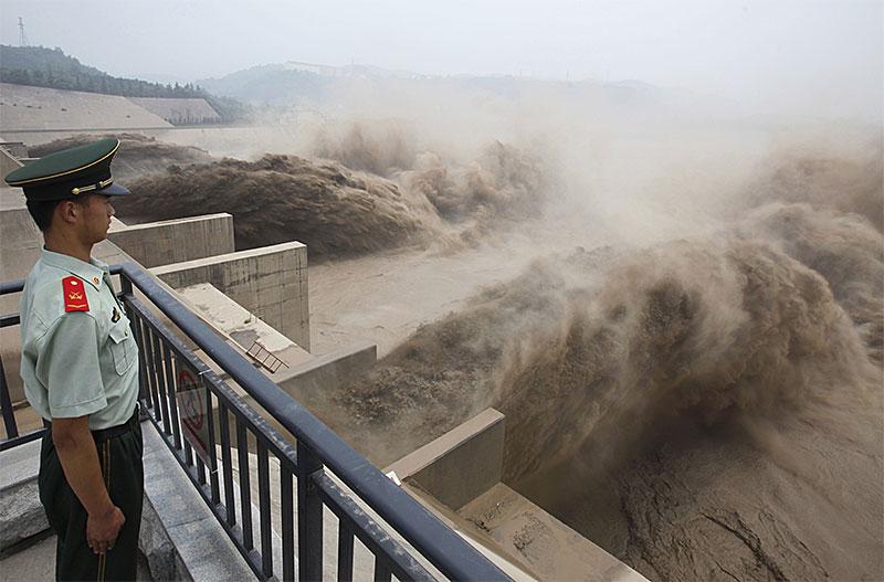 ब्रह्मपुत्र में चीन छोड़ेगा पानी, इन राज्यों में बाढ़ का खतरा, हाई अलर्ट  - शब्द (shabd.in)