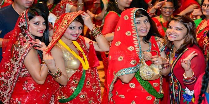 तीज का व्रत करने से मिलता है मनचाहा जीवनसाथी, माता गौरी ने भगवान शिव के लिए की थी पूजा - शब्द (shabd.in)